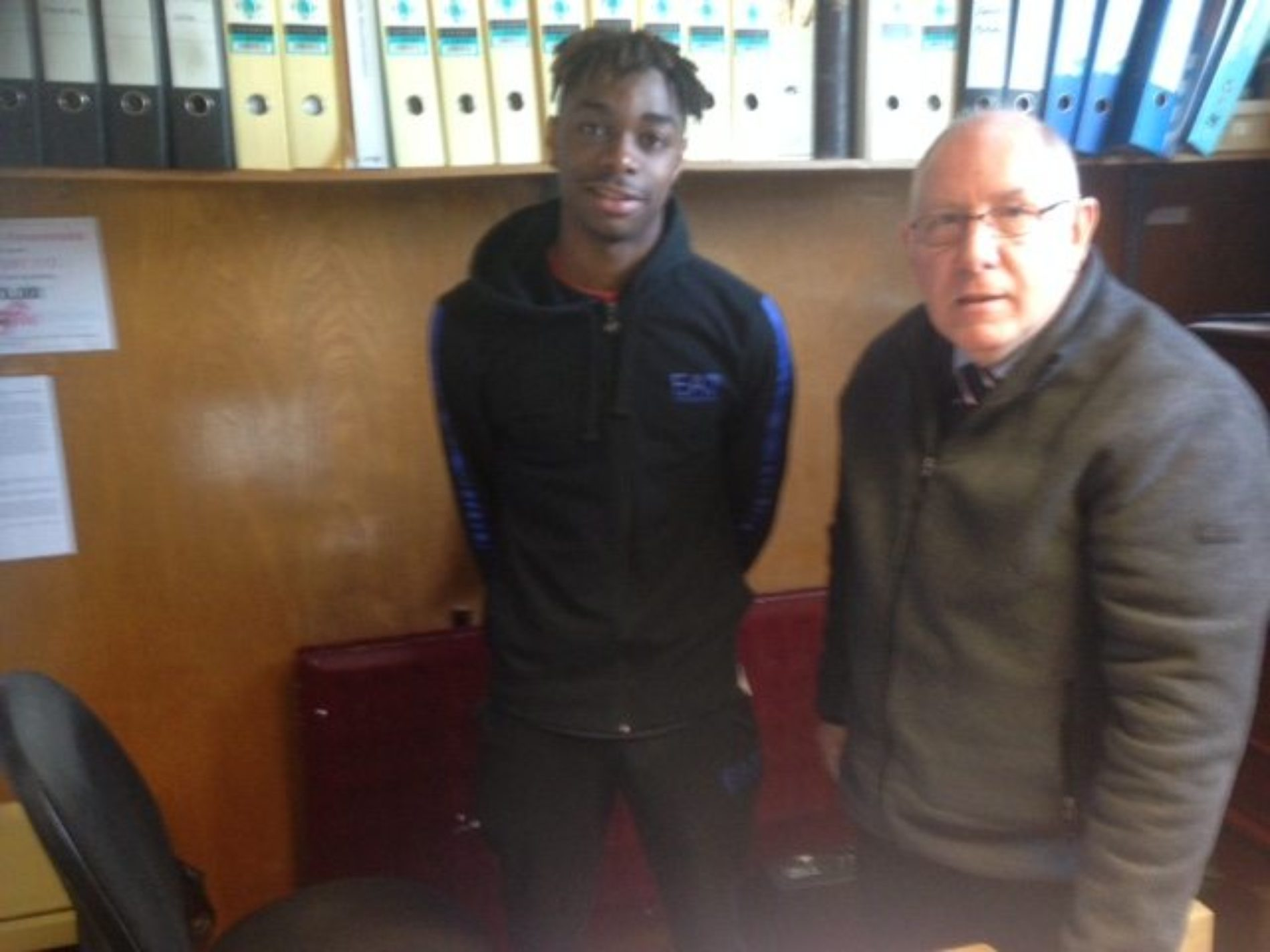 Andy Preece makes double signing for Sandgrounders    Andy Preece has signed French 22 year old midfielder Kevin Da Veiga Monteiro. The ex Airbus player will be available for this weekends trip to Woking once Secretary Ken Hilton receives international clearance from the FA of Wales.    28-year-old...